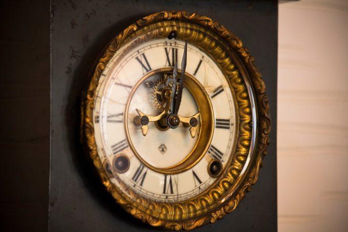 アンティークの掛け時計