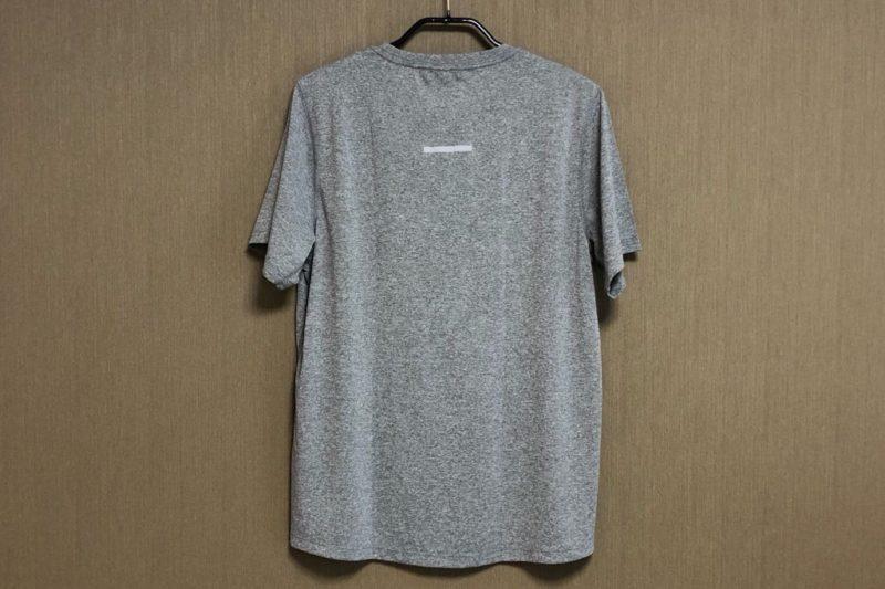無印良品「吸汗速乾UVカット 半袖Tシャツ」背面