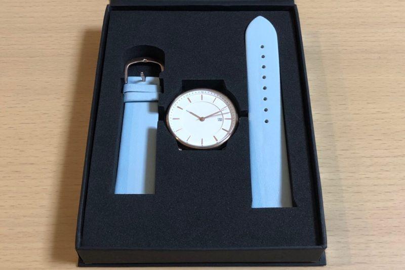 Lagom Watchesの箱に入る時計