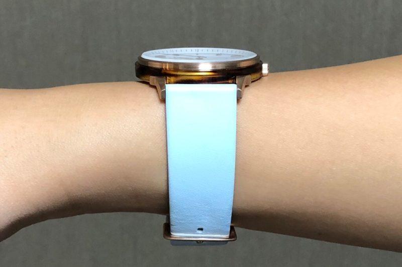 Lagom Watches着用。腕の側面から