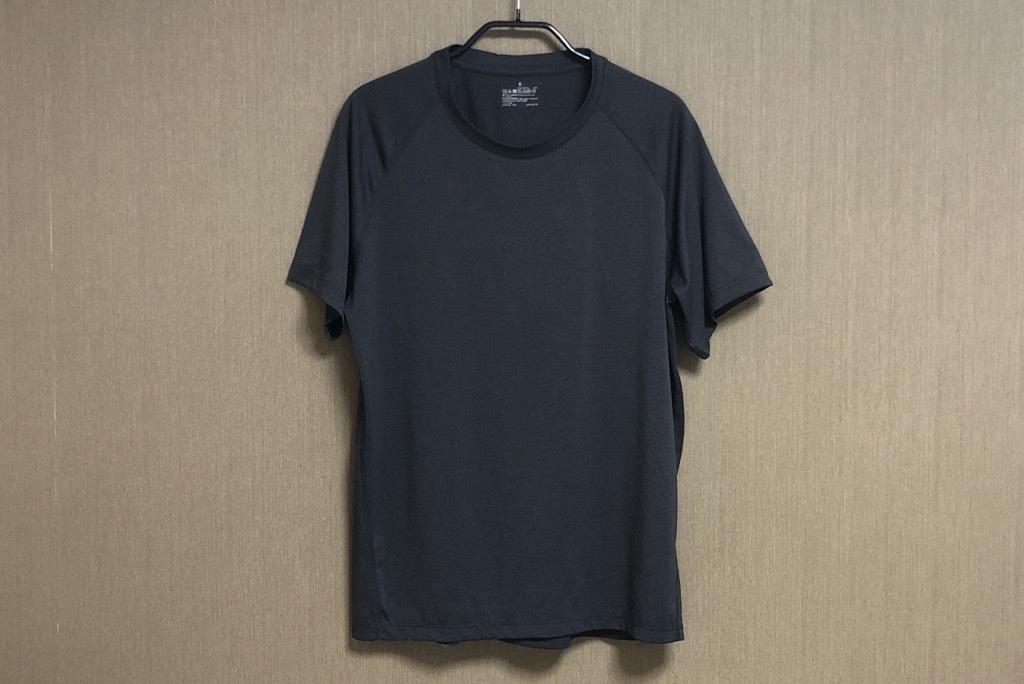 無印良品「吸汗速乾UVカット半袖Tシャツ」黒色正面