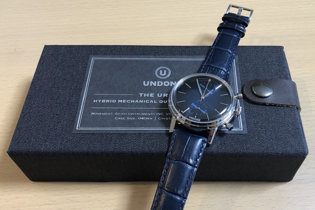 UNDONEの時計ボックスとカスタマイズしたMYSTIQUE(青革バンド)